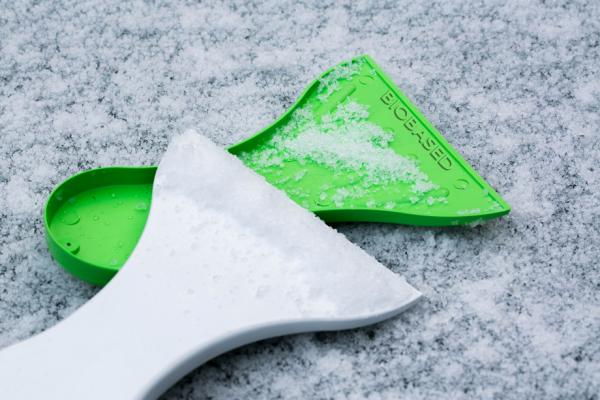 Bio Eiskratzer aus Zuckerrohr